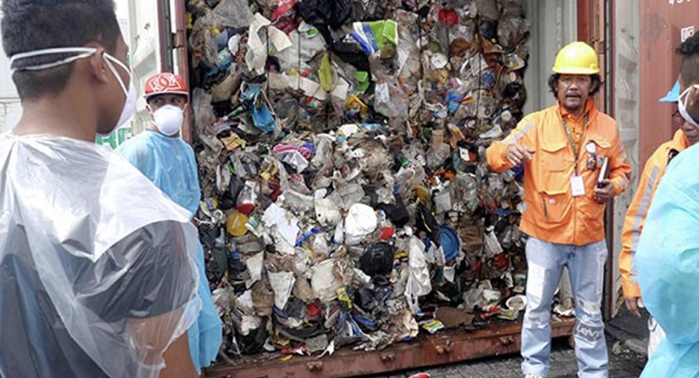 دوترته تهدید کرد چندین تُن زباله به کانادا می فرستد!