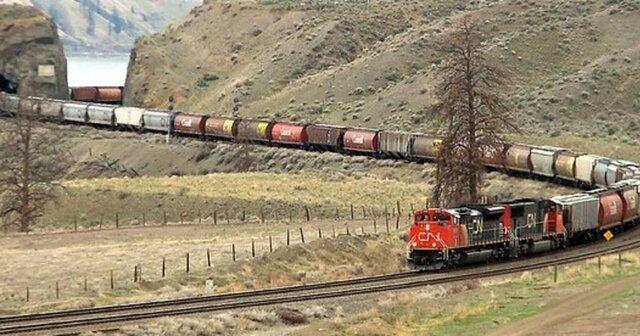 خروج 40 واگن قطار از ریل در تونل بین آمریکا و کانادا