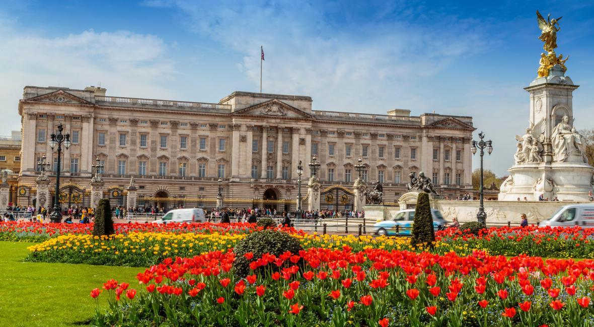 کاخ باکینگهام لندن (انگلیس)
