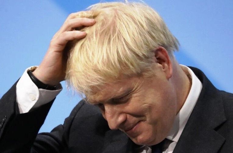 نخست وزیر انگلیس نامه برای تأخیر برگزیت را بدون امضا ارسال کرد